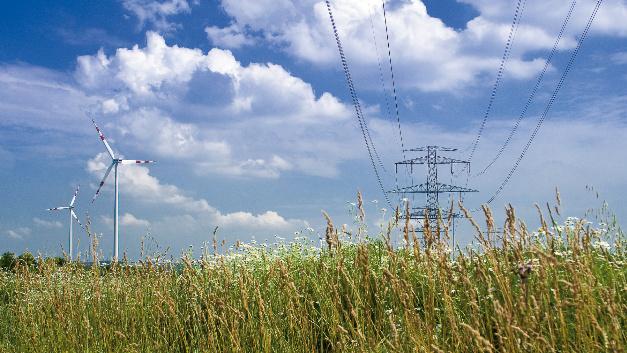 Der Forschungsverbund NEST-DC hat die Technologiebasis dafür erarbeitet, Energieverluste in Stromnetzen und in elektrischen Geräten um mehr als die Hälfte zu verringern. Möglich könnte das durch die Nutzung von Gleichspannung werden.