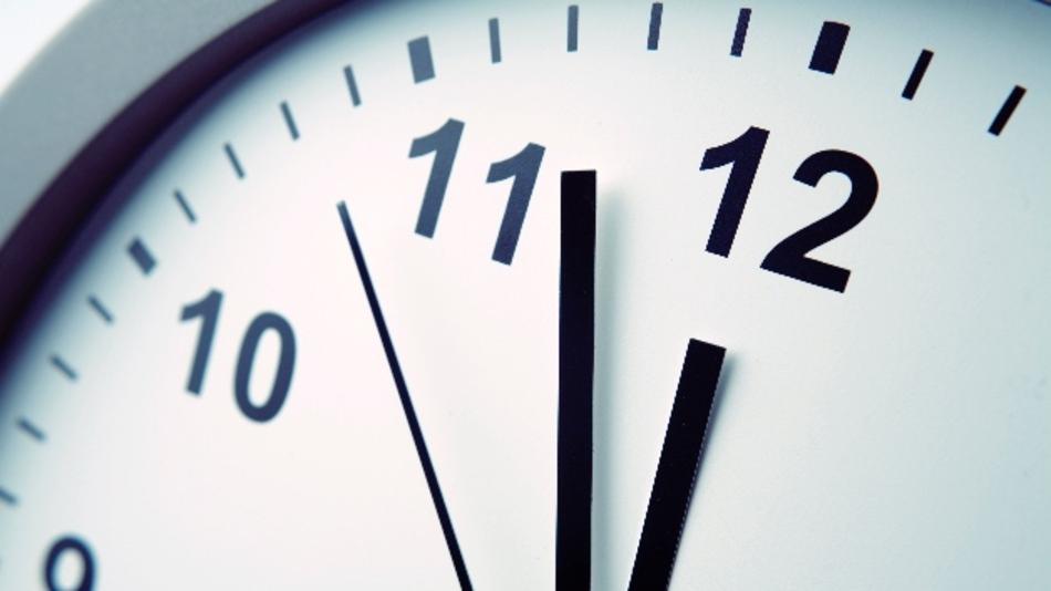 Die Uhr tickt: Personaler checken Bewerbungen in wenigen Minuten.