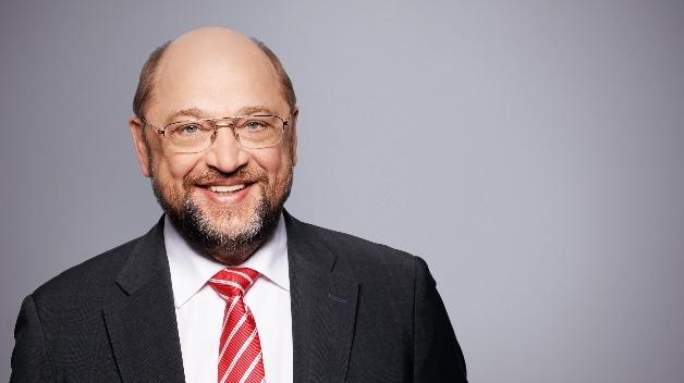 Martin Schulz setzt bei der Digitalisierung auf mehr Mitbestimmung, Tarifverträge und neue Gesetze. Viele seiner Ideen stammen aus dem Weißbuch von Andrea Nahles.