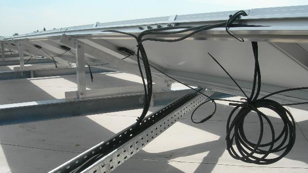 Die Qualitätsunterschiede bei Photovoltaik-Leitungen sind enorm.