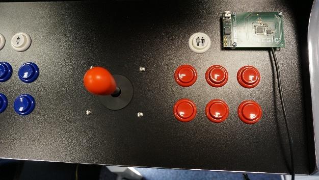 Anhand eines Vintage-Spielautomaten zeigt Legic wie sich ältere Geräte sicher ins Internet der Dinge einbinden lassen.