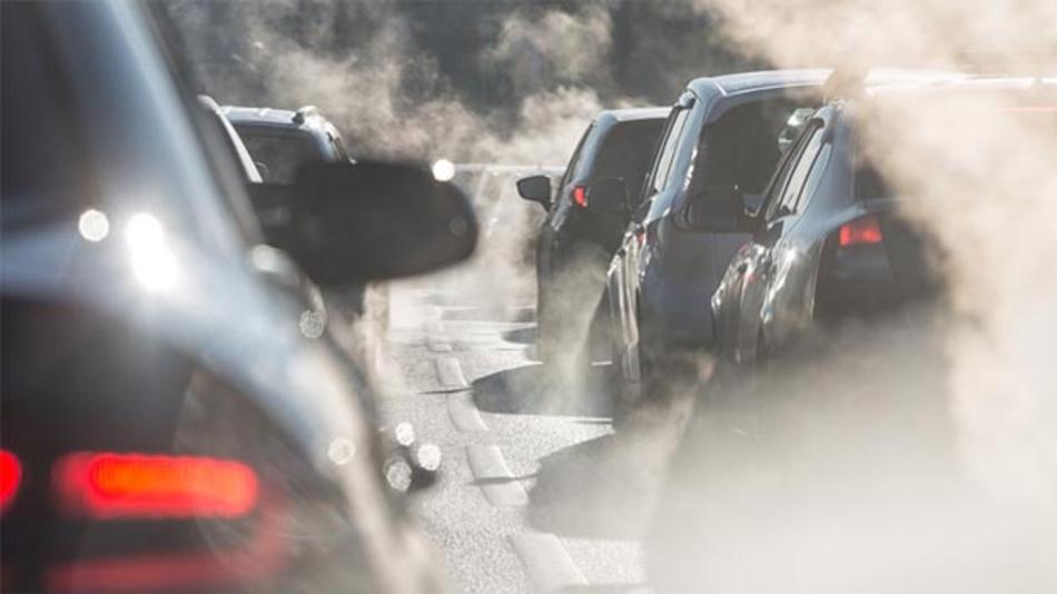 Stuttgart reagiert auf die Grenzüberschreitungen bei den Feinstaubwerten mit einem Fahrverbot ab 2018 für Diesel, die die Abgasnorm Euro-6 nicht erfüllen.