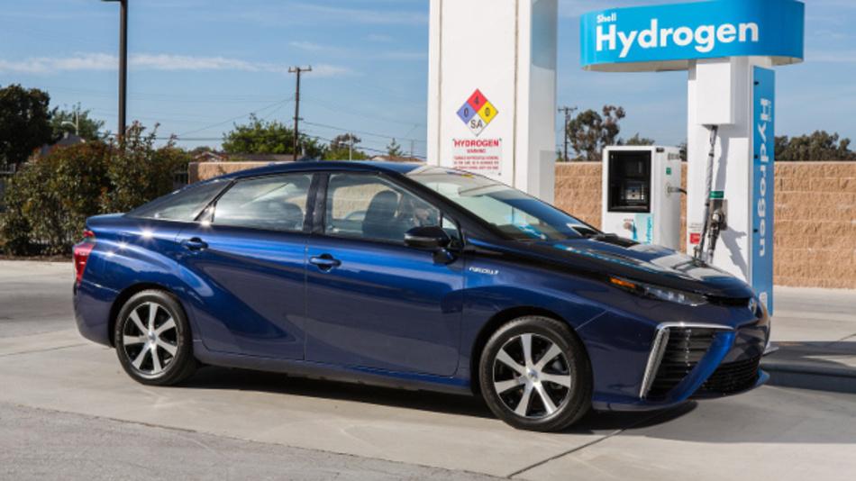 Der Bedarf für leichte Fahrzeuge mit Brennstoffzellen, hier der Mirai von Toyota, wird laut Strategy Analytics auch im Jahr 2025 noch unter 500.000 Einheiten liegen