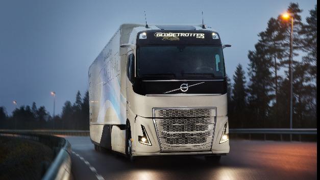 Das Konzeptfahrzeug von Volvo Trucks ist der erste Hybrid-Lkw für den Fernverkehr.