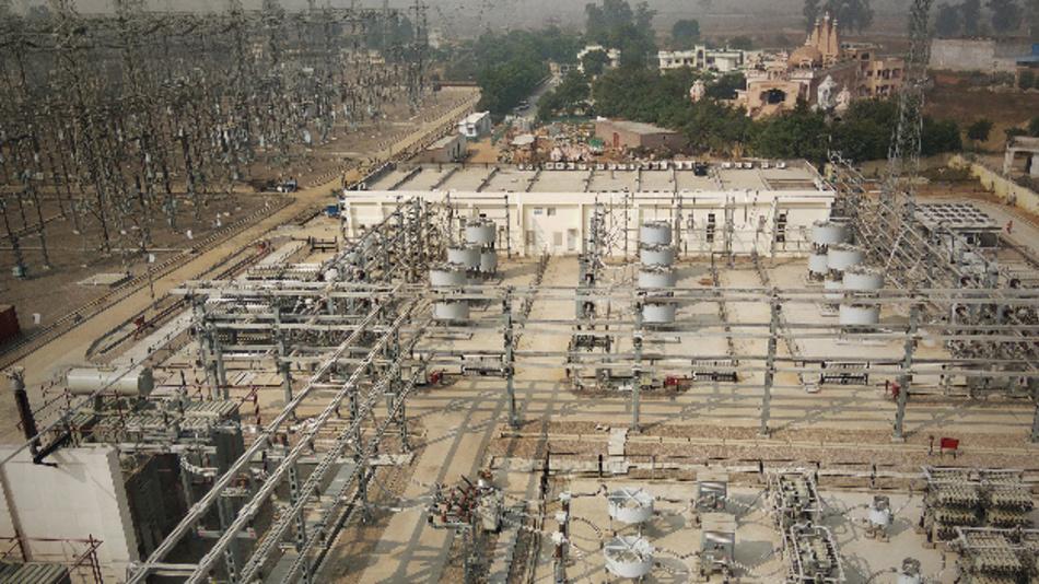 Siemens hat seine bisher größte, voll geregelte klassische SVC-Anlage mit einem Blindleistungsregelbereich von 1 GVAr in der Umspannstation Ludhiana im indischen Bundesstaat Punjab in Betrieb genommen.