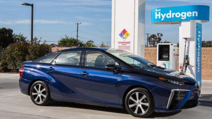 Toyota baut Wasserstoff-Tankstellennetz in Kalifornien aus.