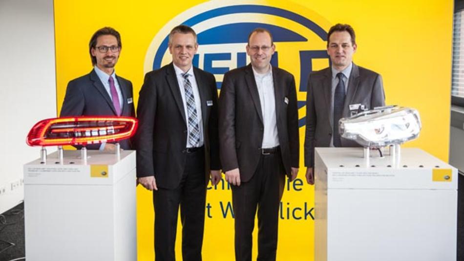 Sascha Dorday, Oberbürgermeister Sindelfingen, Standortleiter Klaus Matauschek,   Bernd Vöhringer und Markus Bannert, Mitglied der Geschäftsführung (vlnr.) bei der Eröffnung des neuen Entwicklungszentrums.