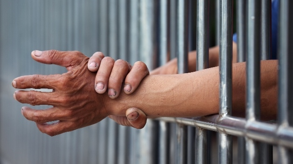 Endstation Gefängnis - was muss der Arbeitgeber bei einer Strafanzeige gegen Arbeitnehmer wissen?