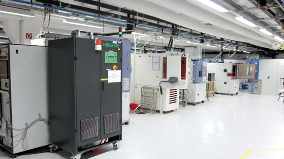 Komplexes Equipment gehört zur Ausrüstung der Analyse- und Werkstofftechnik bei Zollner.