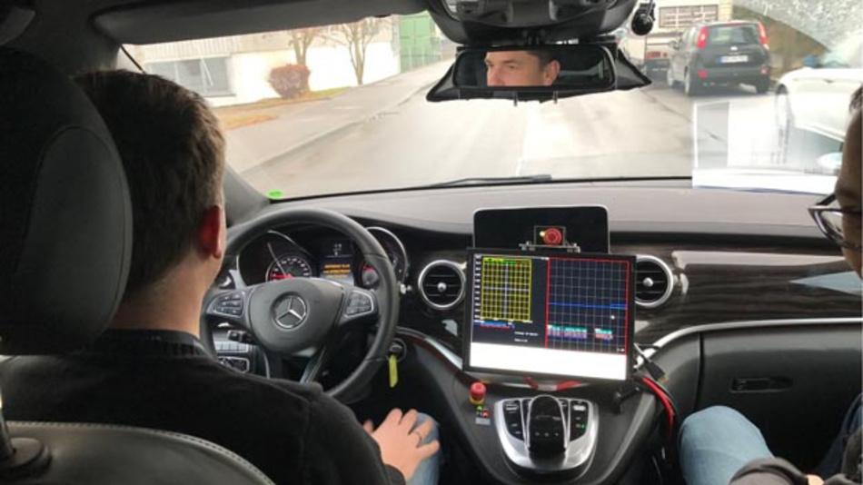 Das Land Niedersachsen hat zusammen mit dem DLR in Braunschweig das Testfeld Niedersachsen für automatisiertes und vernetztes Fahren gestartet.