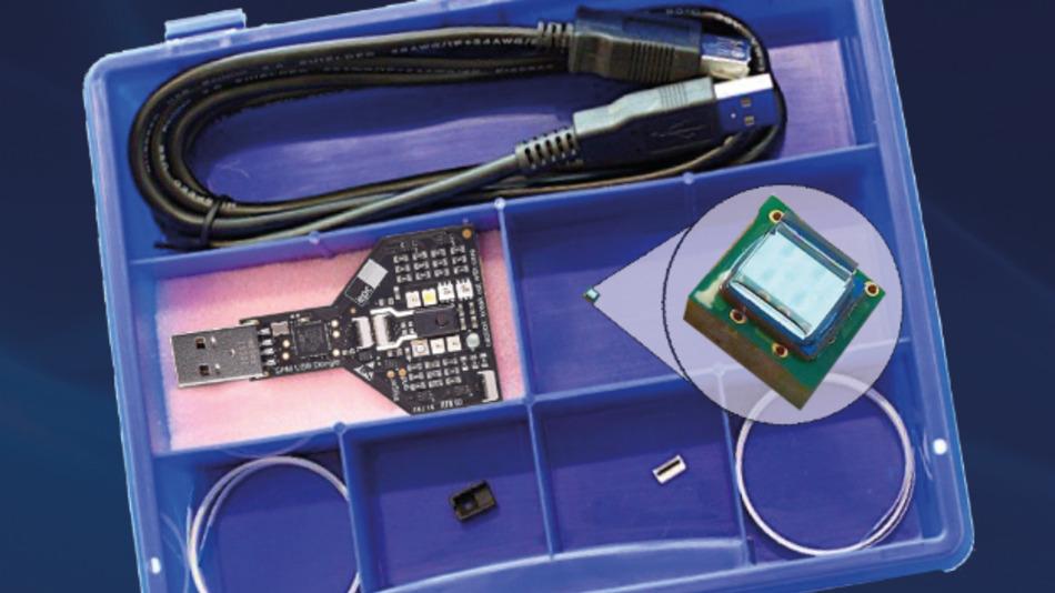 Das multispektrale Sensor Entwickler-Kit enthält ein 8x8 CCD-Sensor-Array und acht verschiedene LEDs zur Beleuchtung.