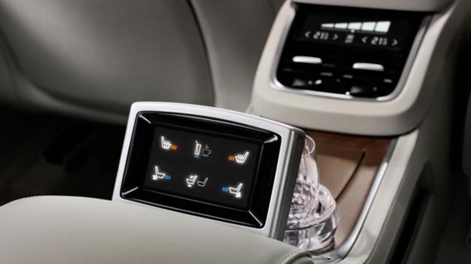 Moderne Technik in edlem Design: Das Display des Modells Excellence des Volvo XC90 kommt von MTA.