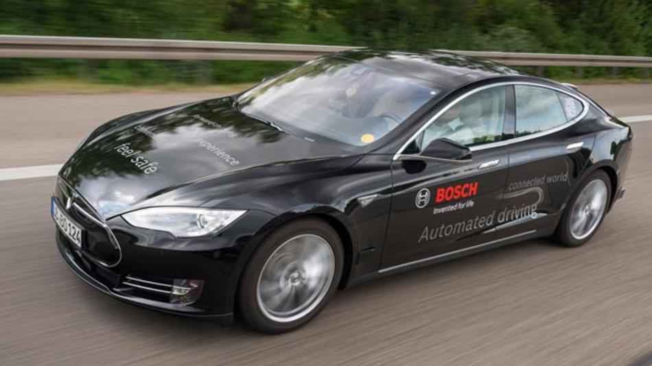Künstliche Intelligenz: Bosch will dem Fahrzeug Lernen und kluges Handeln beibringen.