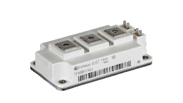 Infineon erweitert sein Angebot an IGBT-Modulen im 62-mm-Gehäuse. Die neuen Leistungsmodule sollen die steigende Nachfrage nach höherer Leistungsdichte bei gleicher Baugröße bedienen. Die höhere Leistungsdichte bei gleicher Größe wird ermöglicht durch eine größere Chipfläche und ein angepasstes DCB-Substrat im bisherigen Gehäuse. Erhältlich sind eine 1200-V- und eine 1700-V-Variante.