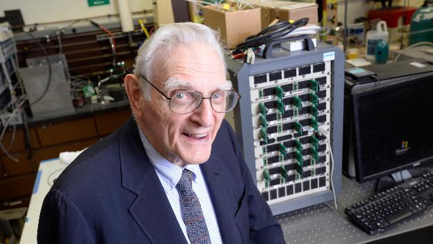 Ist überzeugt, mit der neuen Batterietechnik einen Durchbruch erzielt zu haben: John Goodenough, Professor der Cockrell School of Engineering der The University von Texas in Austin.