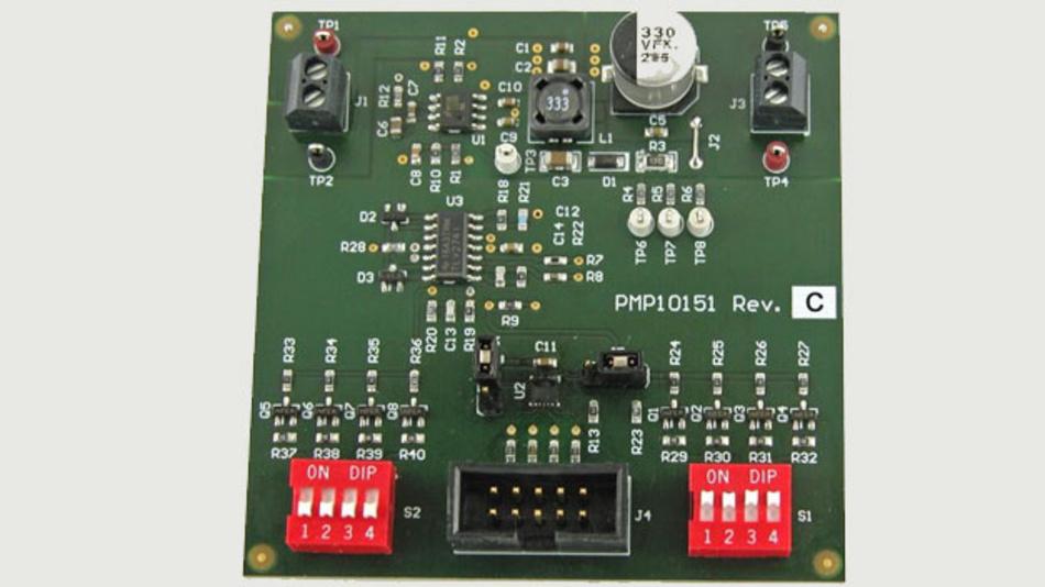 Eine Operationsverstärkerschaltung koppelt die Strom- und Spannungs-Messignale auf den Reglereingang.