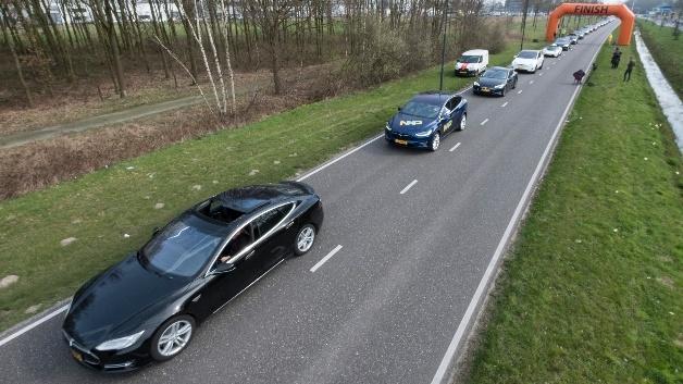 Rotary Club Eindhoven hat mit Unterstützung von NXP die längste Parade von Elektrofahrzeugen organisiert.