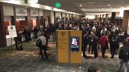 """Machen Sie mit bei der Wahl zum """"Innovator des Jahres"""" und gewinnen Sie eine Reise zur IEDM- oder ISSCC-Konferenz in San Francisco."""