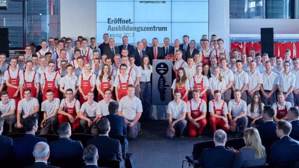 Eröffnung des neuen Porsche Ausbildungszentrums in Leipzig