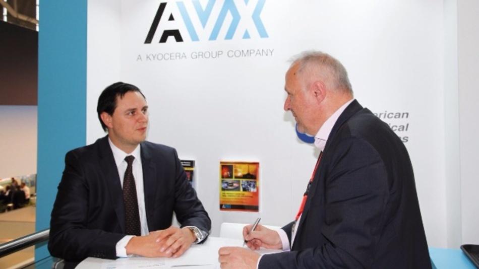 Alexander Schenkel, AVX (rechts) im Gespräch mit Engelbert Hopf, Chefreporter der Markt&Technik.