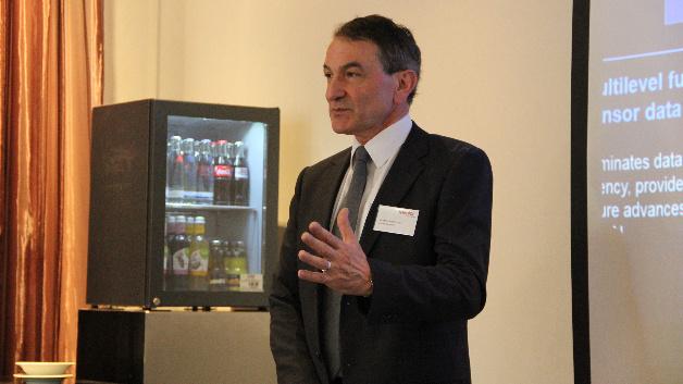 Andrew Patterson bei der Pressekonferenz in München