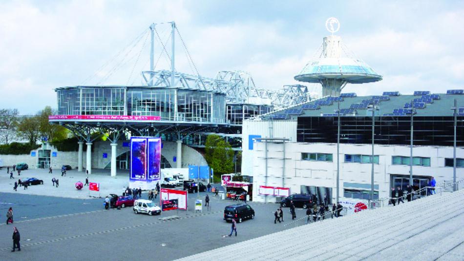 Convention Center und Halle 7 des Messegeländes während der Hannover Messe 2016