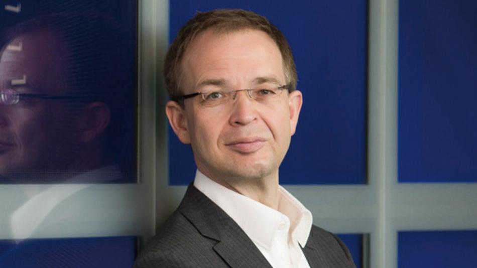 Gordon Mühl, Infosys »Die Angst der Mitarbeiter vor dem Verlust des Arbeitsplatzes muss selbstverständlich ernst genommen werden, und viele Unternehmen haben sich des Themas auch schon angenommen.«