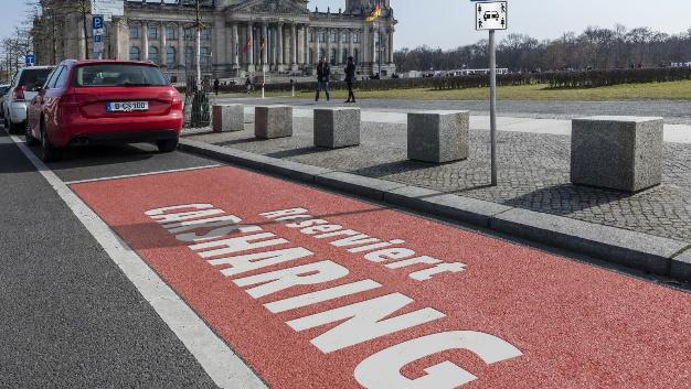 Ausgewiesene Stellfläche für Carsharing-Fahrzeuge