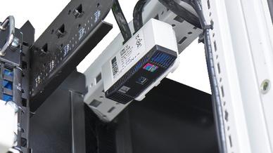 Alarmsysteme überwachen die physischen Umgebungsparameter für Netzwerk-, Server- und Schaltschränke.