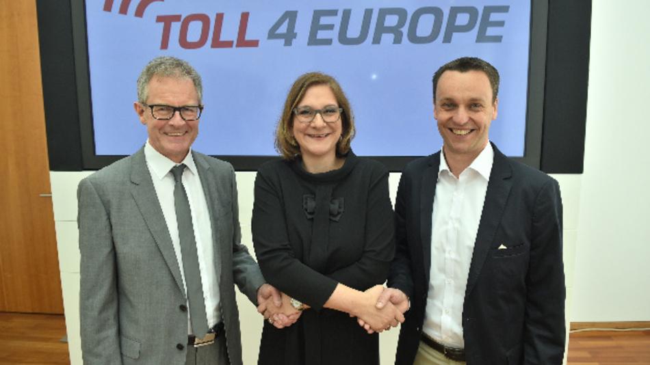 Beginn der Zusammenarbeit von Daimler, T-Systems und DKV.