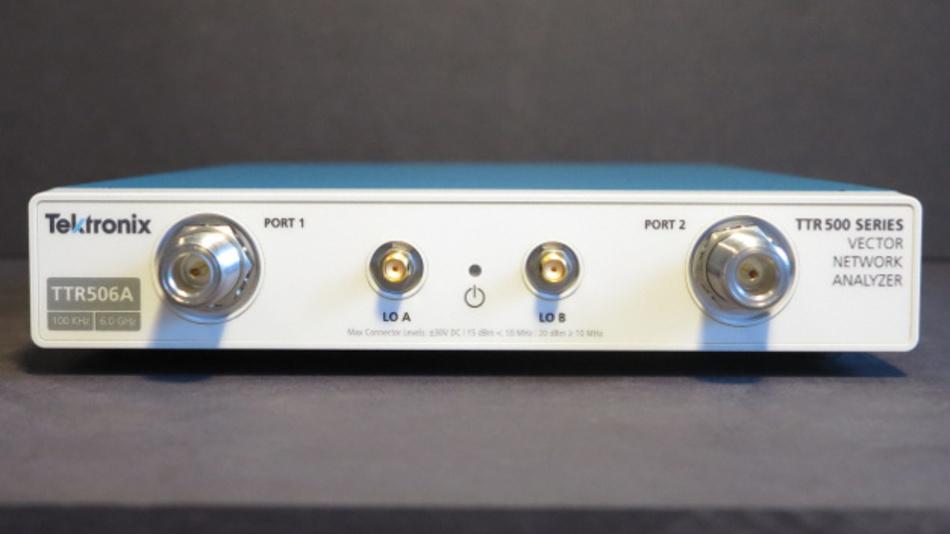 Bild 1: Front-End beim Tektronix TTR506A: Zwei HF-Standard- und SMA-Ports.