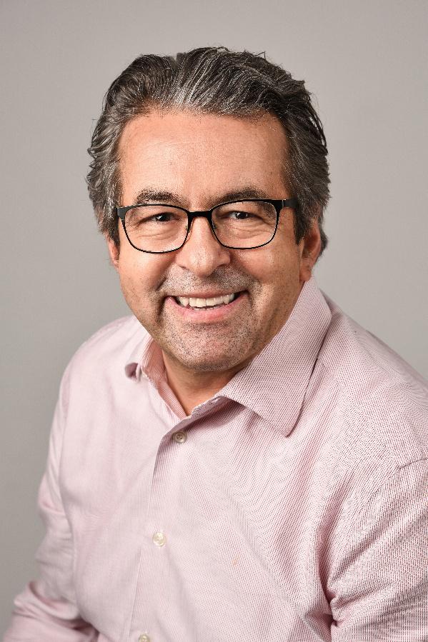 Dr. Albrecht Müllerschön ist Inhaber der Müllerschön Managementberatung, Starzeln (Baden-Württemberg), die auf das Themenfeld Personalauswahl, -diagnostik und -entwicklung spezialisiert ist. Der Wirtschaftspsychologe ist Autor mehrerer Personal-Fachbücher und Lehrcoach an der Uni Tübingen (www.muellerschoen-beratung.de).