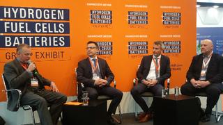 Roundtable: Dr. Dimitrios  Papageorgopoulus, U.S.Department of Energy, Matthias Klietz Leiter des Bereichs Antriebsstrang bei BMW und Dr. Graham Cooley, ITM Power diskutierten über die Rahmenbedingungen für eine H2-Infrastruktur.
