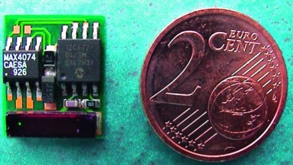 Bild 1: Passiver Sensortransponder mit 125 kHz, der bis auf die spezielle Transponderspule (Coilcraft) mit Standardbauteilen (PIC12F683, MAX4074) aufgebaut ist.