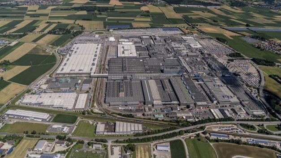 Luftaufnahme des BMW-Werks Dingolfing. Ab 2021 soll hier der BMW iNext gebaut werden.