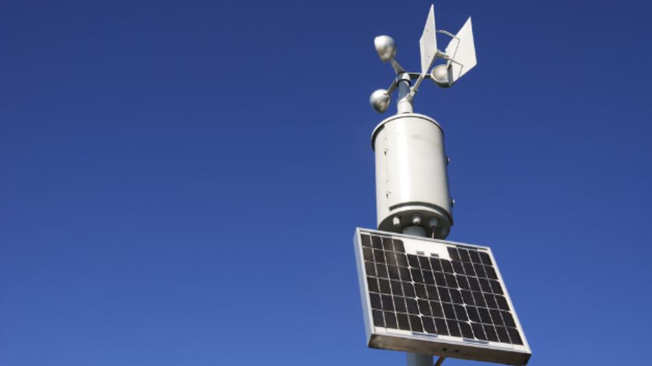 Solarzellen eignen sich gut für die Versorgung von Wetterstationen und anderen dezentralen Sensoren. Wie muss die Schaltung aufgebaut sein, um auch bei schlechtem Wetter zuverlässig zu funktionieren?