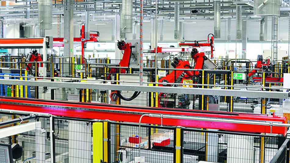 Produktion am Fließband: Nur durch einheitliche Standards können verschiedene Systeme und Komponenten reibungslos zusammenarbeiten.