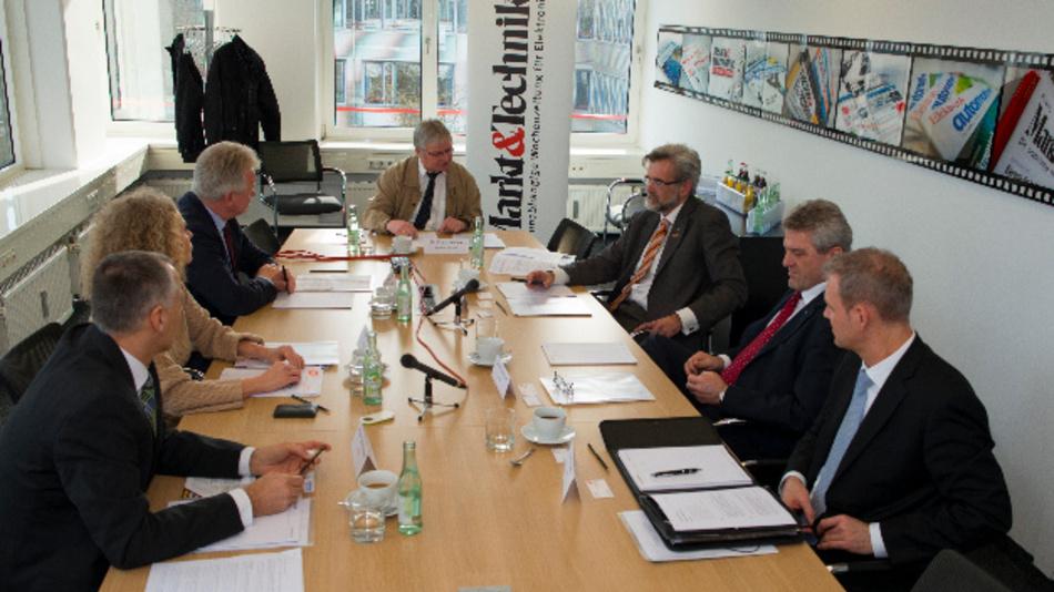 Die Teilnehmer an der Relais-Gesprächsrunde der Markt&Technik