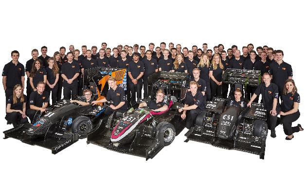 Stolz präsentiert das TUfast Rennteam die drei Rennwagen für die Saison 2017.
