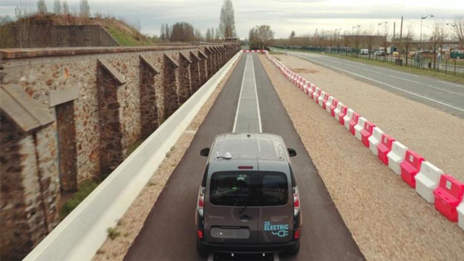 Das DEVC-System von Qualcomm kann ein Elektrofahrzeug dynamisch mit bis zu 20 kW bei Autobahngeschwindigkeit aufladen.