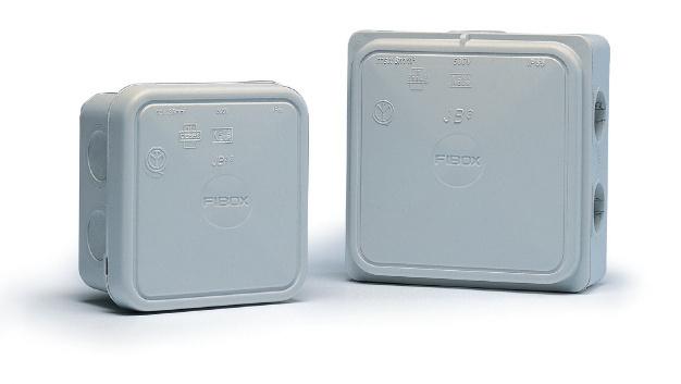 Die Abzweigdosen der JB-Serie von Fibox ermöglichen das einfache Einführen von Kabeln ohne Klemmmutter.