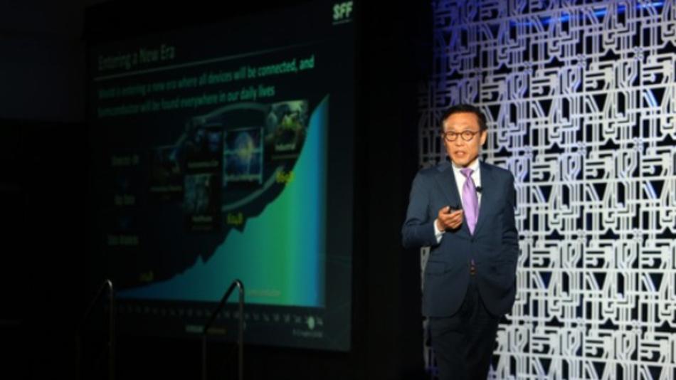 Jong Shik Yoon stellt auf dem Samsung Foundry Forum die Prozesstechnologie-Roadmap für die Foundry-Partner vor