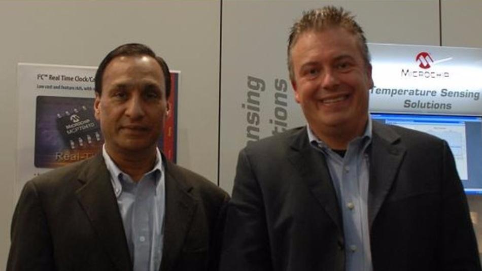 Microchips CEO Steve Sanghi mit DESIGN&ELEKTRONIK-Chefredakteur Frank Riemenschneider.