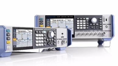 Als 2- und 3-HE-Varianten bietet Rohde & Schwarz den neuen HF- und MIkrowellen-Signalgenerator SMA100B an.