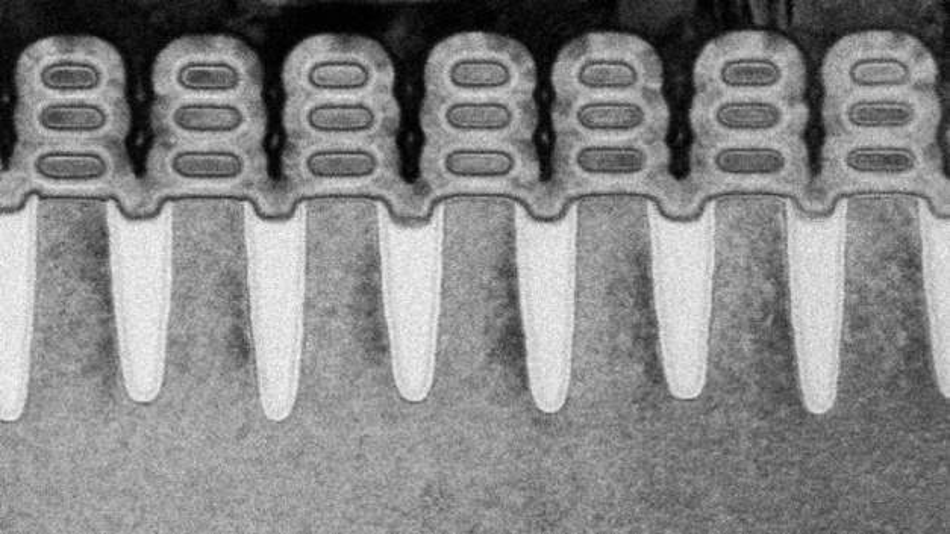 Schnitt durch die 5-nm-Nanosheet-Transistoren: 30 Milliarden von ihnen passen auf einen Chip.