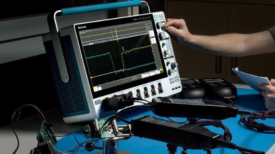 Umkonfigurierbare Eingangskanäle, 12-Bit-Signalerfassungssystem, hochauflösendes kapazitives 15,6-Zoll-Touchdisplay mit intuitiver Bedienoberfläche, optionale SSD-Festplatte mit Windows-Betriebssystem – das bieten die neuen MSOs der Serie 5 von Tektronix.