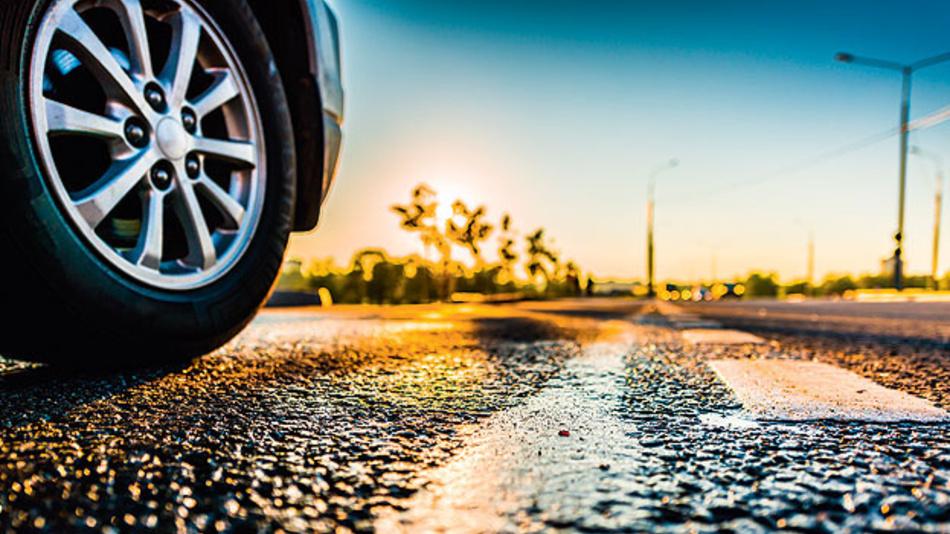 Zukünftige Anforderungen der Schnittstelle zwischen Antriebsstrang und Straße.