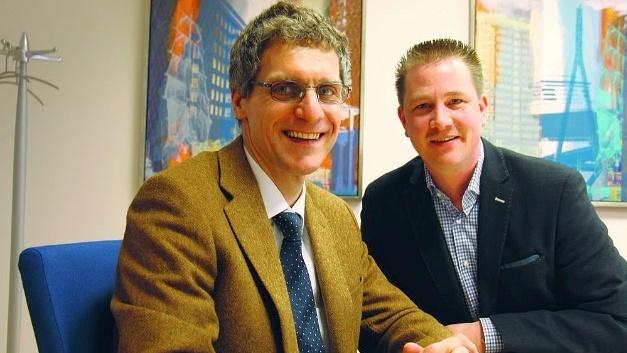 Elektronik-Chefredakteur Gerhard Stelzer (links) im Gespräch mit Christian Dunger, Vorstandsvorsitzender der WDI AG