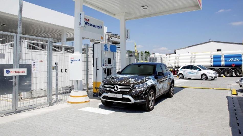 Daimler hat in Wiesbaden eine neue Wasserstoffstation errichtet.