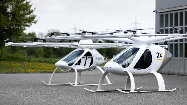Das Serienmodell 2X: Autonom fliegende Lufttaxis sollen den Verkehr nach der Vision von Volocopter in unseren Städten revolutionieren.